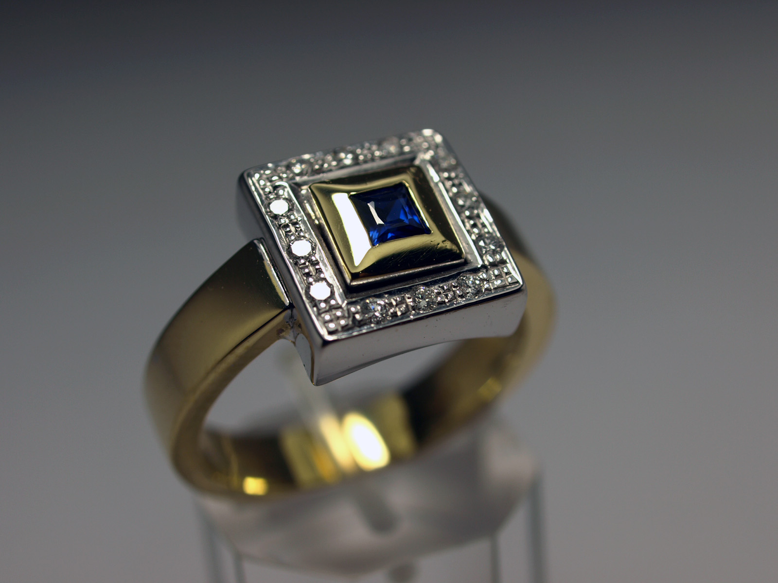 ANILLO BICOLOR Y BRILLANTE
